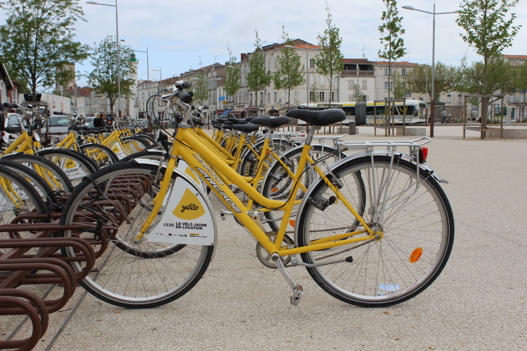 yellow-bikes-la-rochelle-france