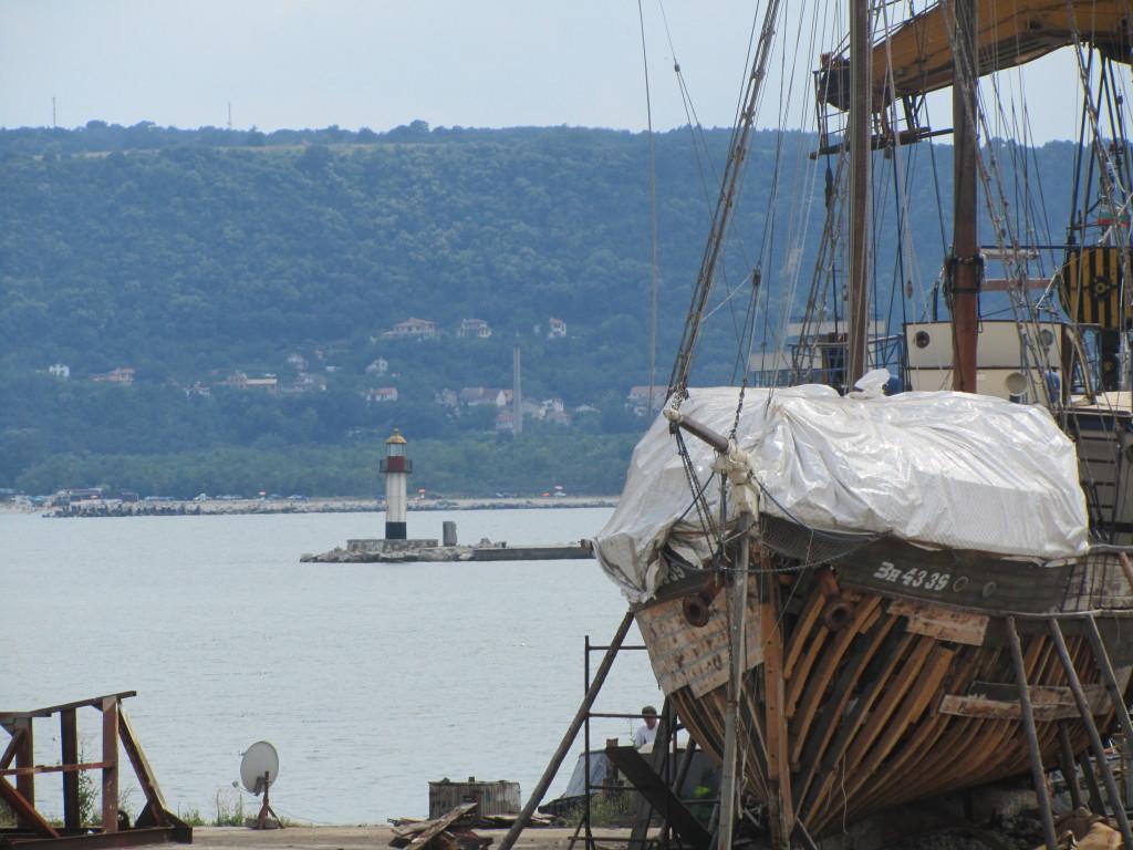 docks-boat-varna-bulgaria