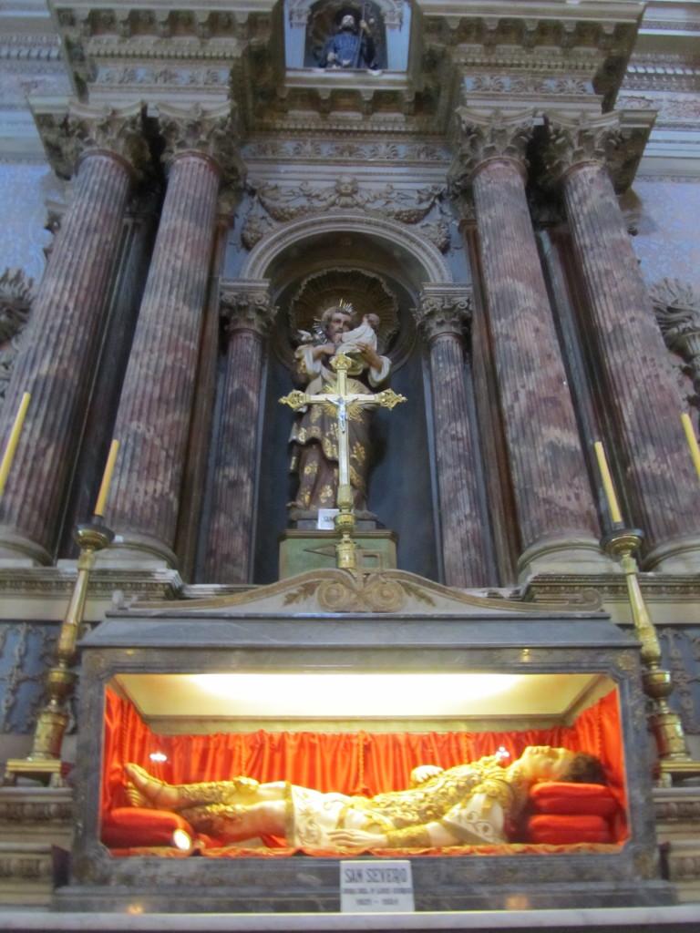san-francisco-church-inside-salta-argentina