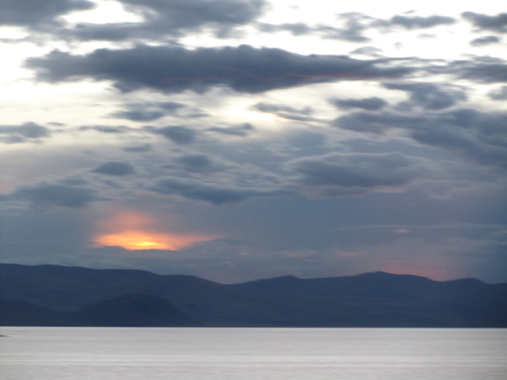 sunset-blue-lake-titicaca-bolivia